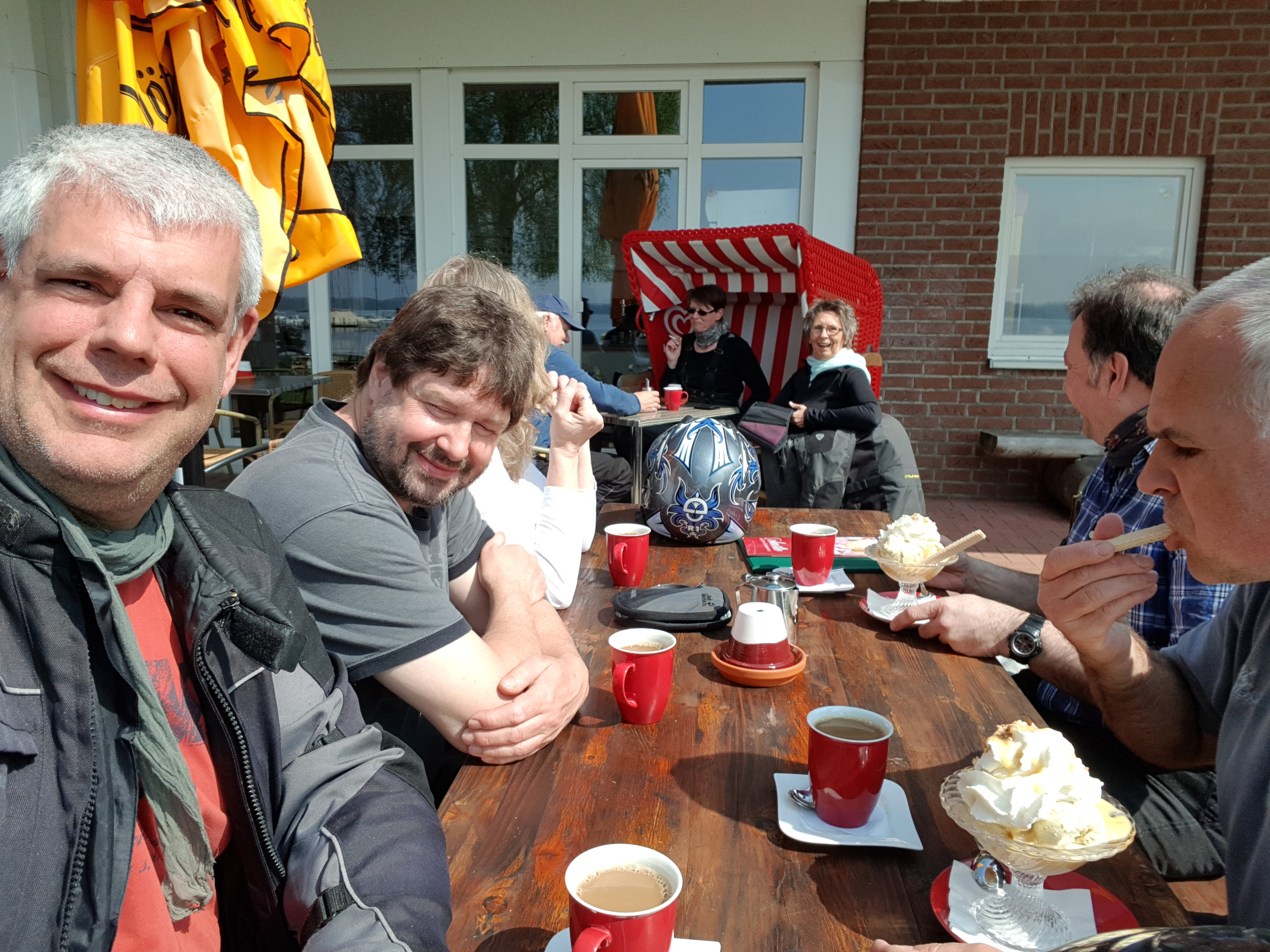 Endlich Kaffee....Cafe am Plöner See